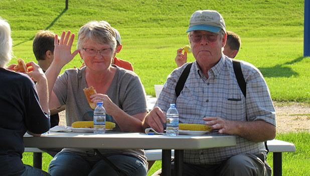 Mary and Virgil Lerfald enjoy a nice picnic supper.