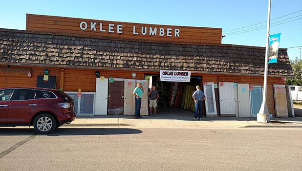 Three local businesses in Oklee held Anniversary celebrations. Oklee Lumber (70 years), D & R Grocery (30 years) and Oklee Quilting (50 years). Oklee Lumber had a sidewalk sale and good bargins for shoppers.