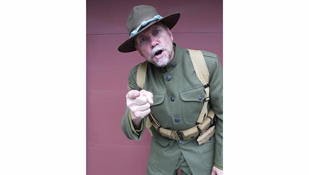 History performer Arn Kind.